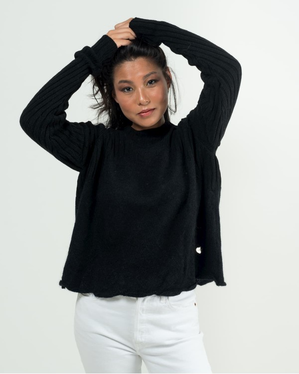 Oversize black sweater