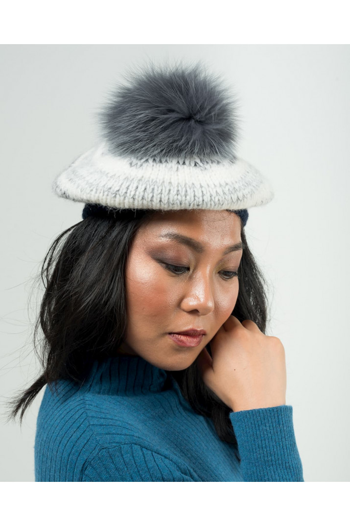 Beret with 100% fox pompon
